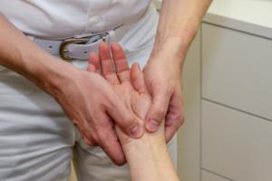 Chiropraktik, Handschmerzen, Tennisarm, Rückenschmerzen, Fußschmerzen, Kopschmerzen,, Nackenschmrzen, Knieschmerzen, Chiropraktor. Hamburg