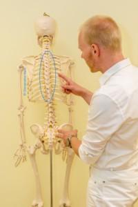 Chiropraktik Chiropraktor Rückenschmerzen Brustrücken